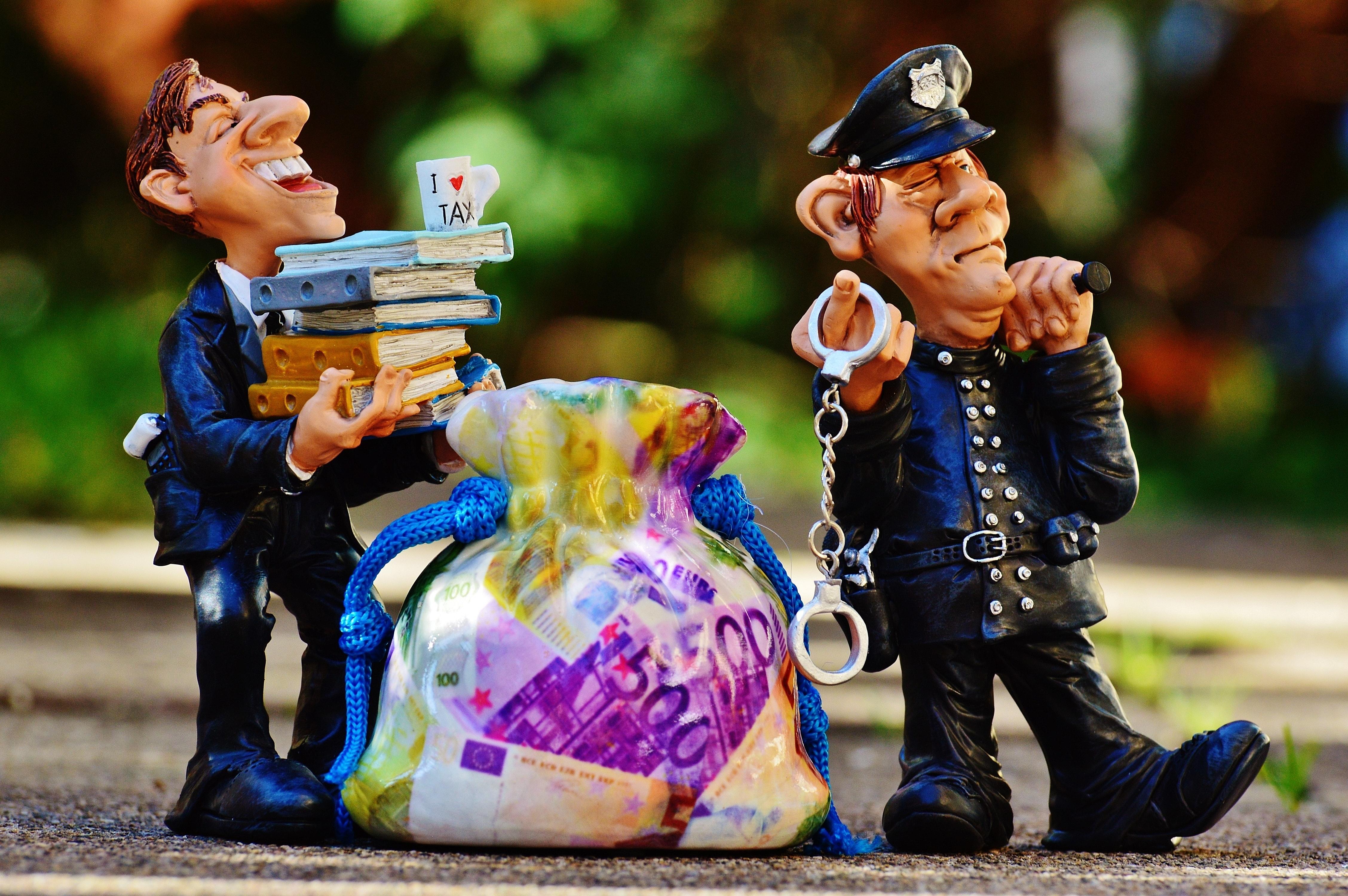 billing-bureaucracy-cop-33596